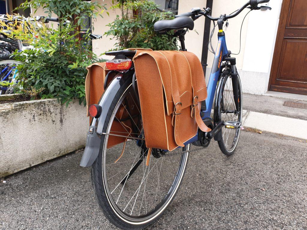 borsa bici in cuoio retro