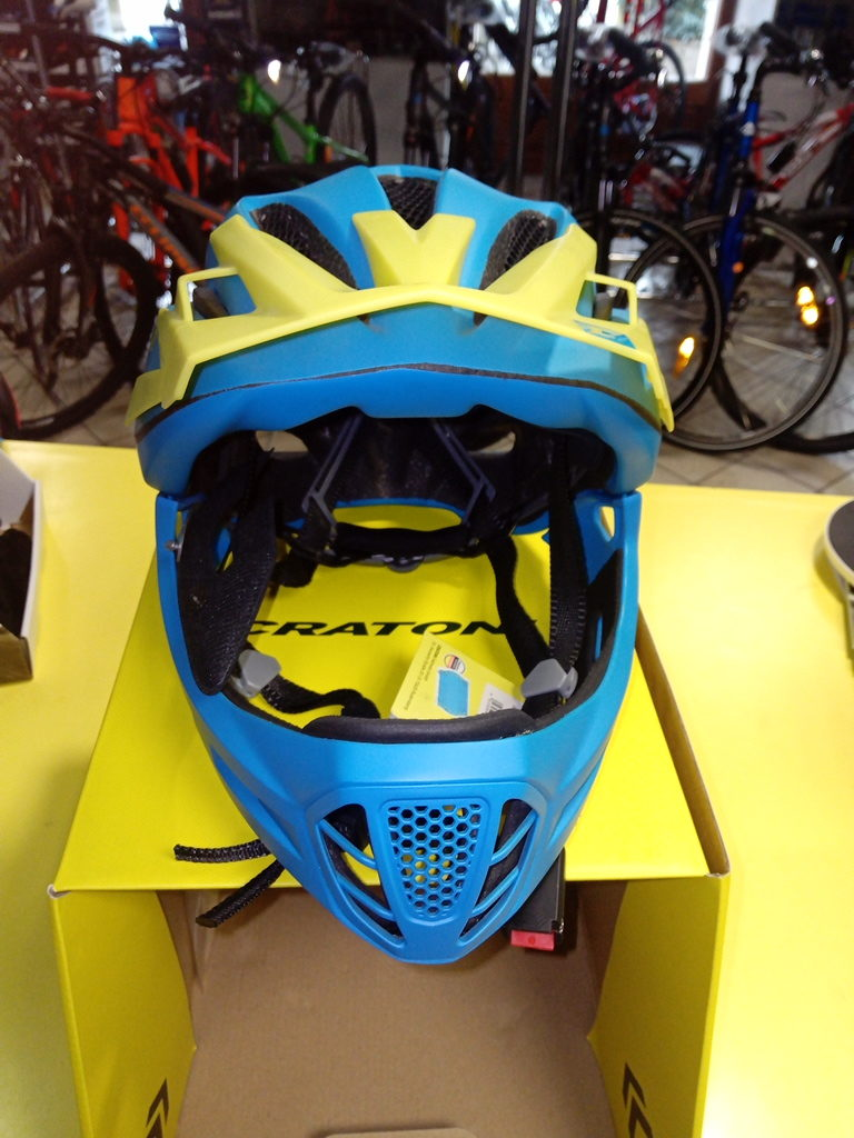 casco downhill cratoni c-maniac